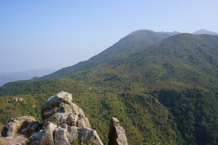 遠眺鴨腳瀝和三台山