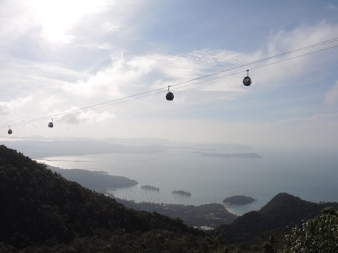 Mit der zweiten Seilbahn auf den Gipfel des zweithöchsten Berges der Insel in 709 Metern Höhe