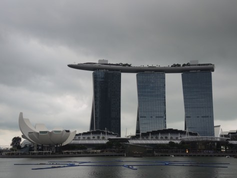 Marina Bay Sands mit dem Art Science Museum in Form einer Lotusblüte