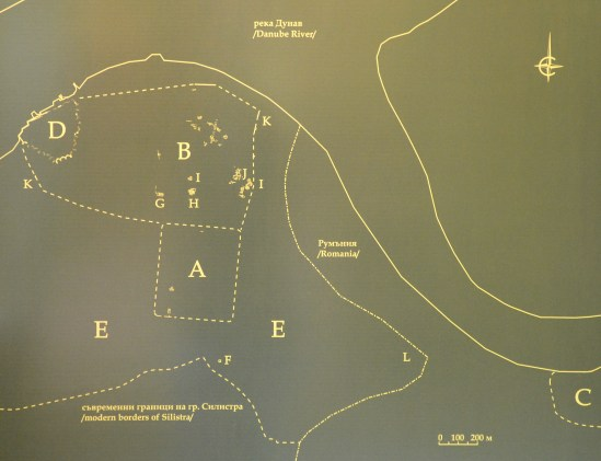 Spatial layout of Durostorum's various settlement structures underneath modern Silistra and nearby Ostrov. The site of the legionary camp is noted as A. It covered an area of 22 ha.