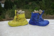 I love this! Yellow and left for Santiago. Blue and right for Fatima!