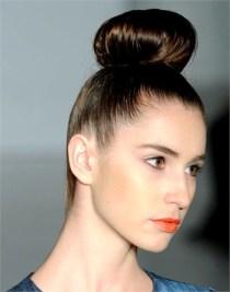 BEAUTY-capelli-AI-2013-Chignon-02-FYB