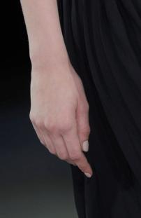 nail-trend-2014-nude-fyb-16