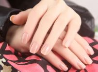 nail-trend-2014-nude-fyb-3