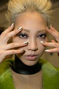 nail-trends-fw13-metallic-fyb-1