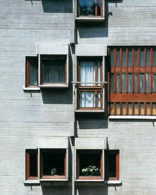 Particolare dell'edificio residenziale in via piagentina a Firenze, opera di Savioli e Santi del 1965