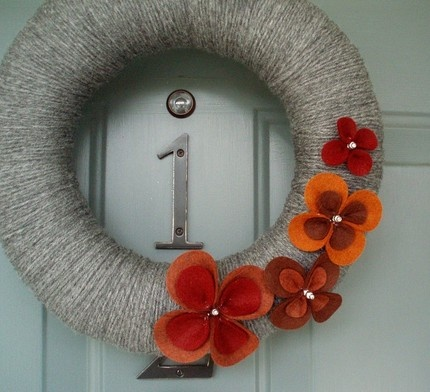 fall-flower-grey-wreath-diy