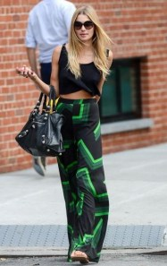 crop-top-outfits-with-skirt