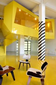 week-end-color-yellow-architecture-interior-design