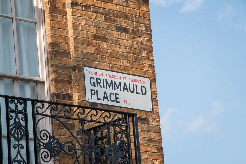 Grimmauld Place - HarshLight via Flickr