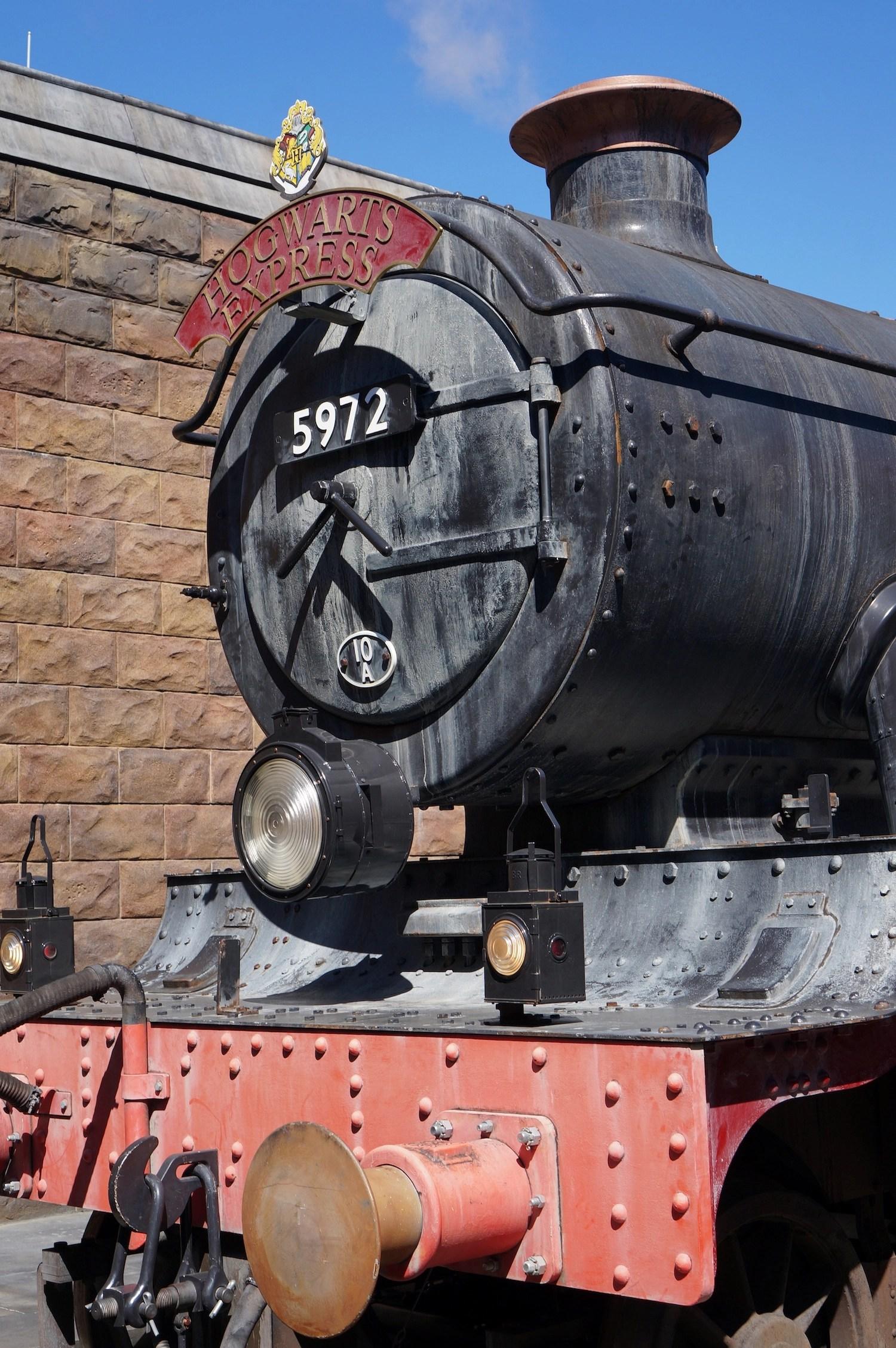 Platform 934 - Hollywood Hogwarts Express