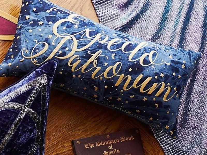 Harry Potter Bedroom - Throw Pillow