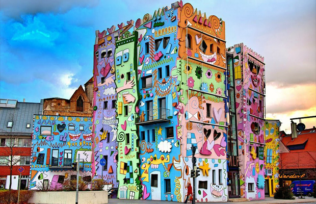 follow-the-colours-happy-rizzi-house-02