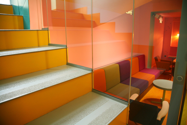 follow-the-colours-cafe-in-03