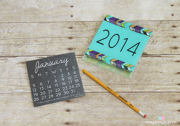 followthecolours-Chalkboard-2014-Calendar