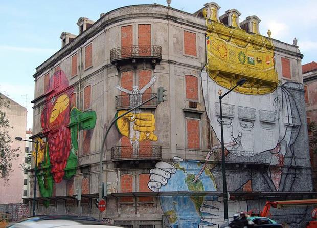 follow-the-colours-best-cities-to-see-street-art-lisboa-portugal