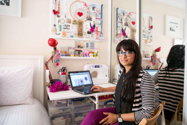 follow-the-colours-Bloggers-at-Their-Desks-03