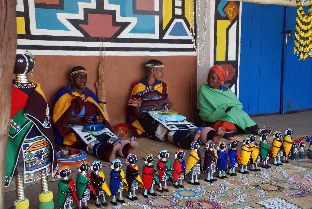 follow-the-colours-aldeia-Ndebeles-africa-do-sul-02