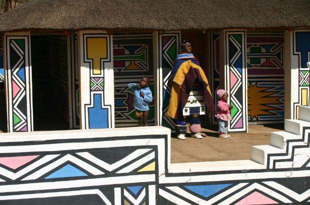 follow-the-colours-aldeia-Ndebeles-africa-do-sul-06
