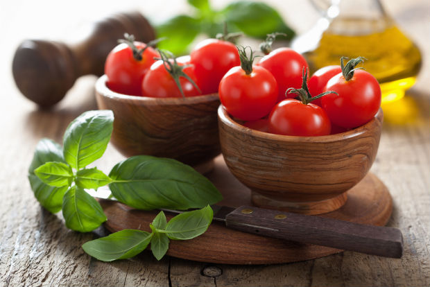 follow-the-colours-tomate-shutterstock_138710372