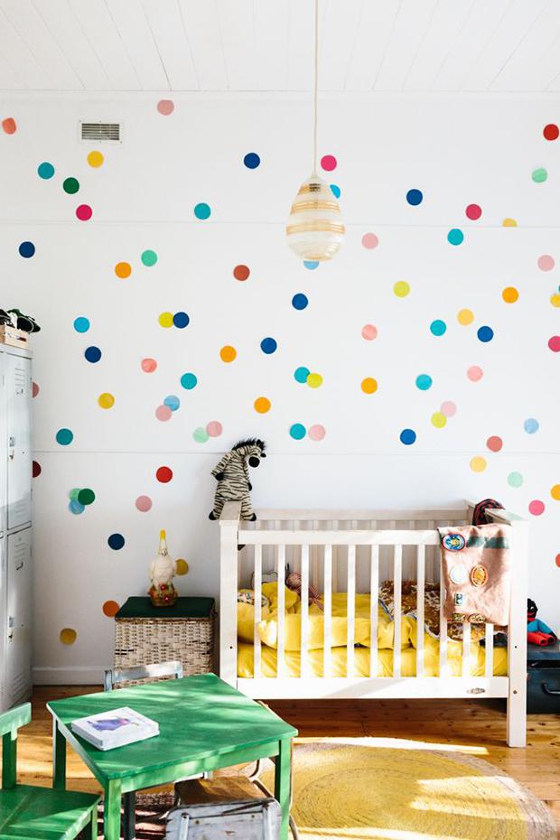 follow-the-colours-parede-bolinhas-DIY-11