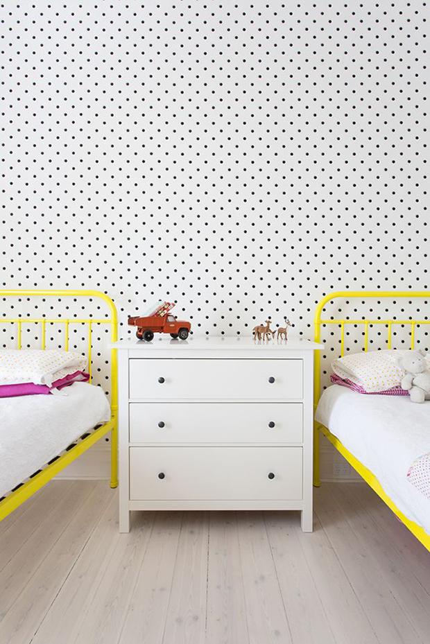 follow-the-colours-parede-bolinhas-DIY-12