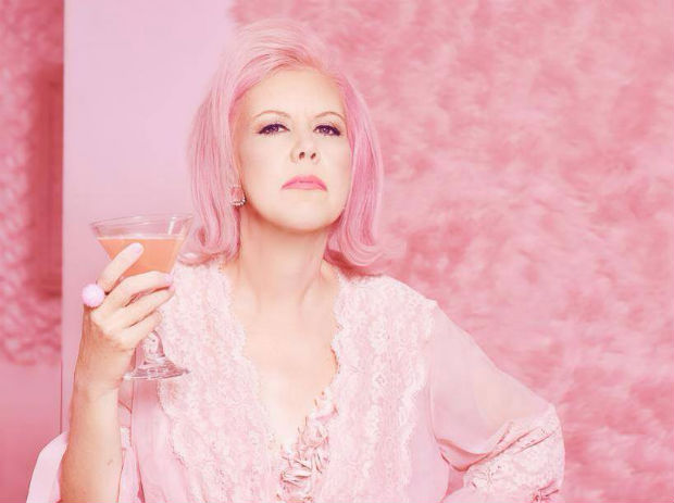 follow-the-colours-the-pink-lady-of-hollywood-05