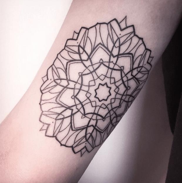 follow the colours tattoo friday Melina Wendlandt mandala