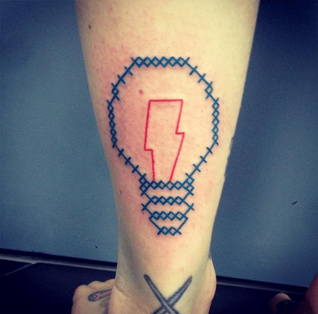 tatuagem ponto cruz Mariette light