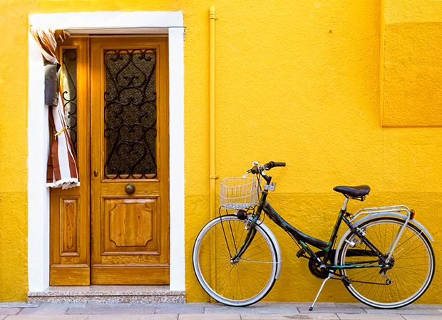 Amarelo yellow cores curiosidades shutterstock_79653496