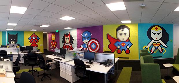 Post its super-heróis escritório Ben Brucker 06