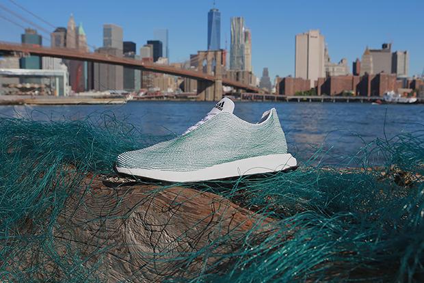 Adidas tênis materiais reciclados plástico oceano Primeknit 01