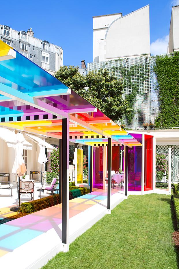 follow-the-colours-daniel-buren-coloree-une-pause-le-bristol-paris-06