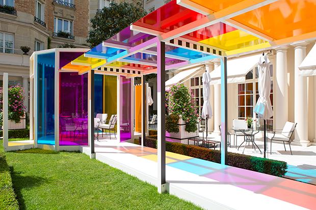 follow-the-colours-daniel-buren-coloree-une-pause-le-bristol-paris-07