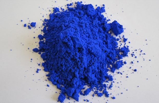 follow-the-colours-YInMn-novo-pigmento-tom-azul-01