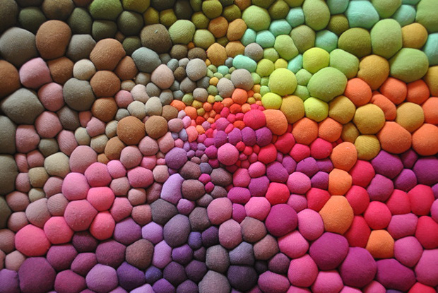 follow-the-colours-arte-bolas-tecido-coloridas-01