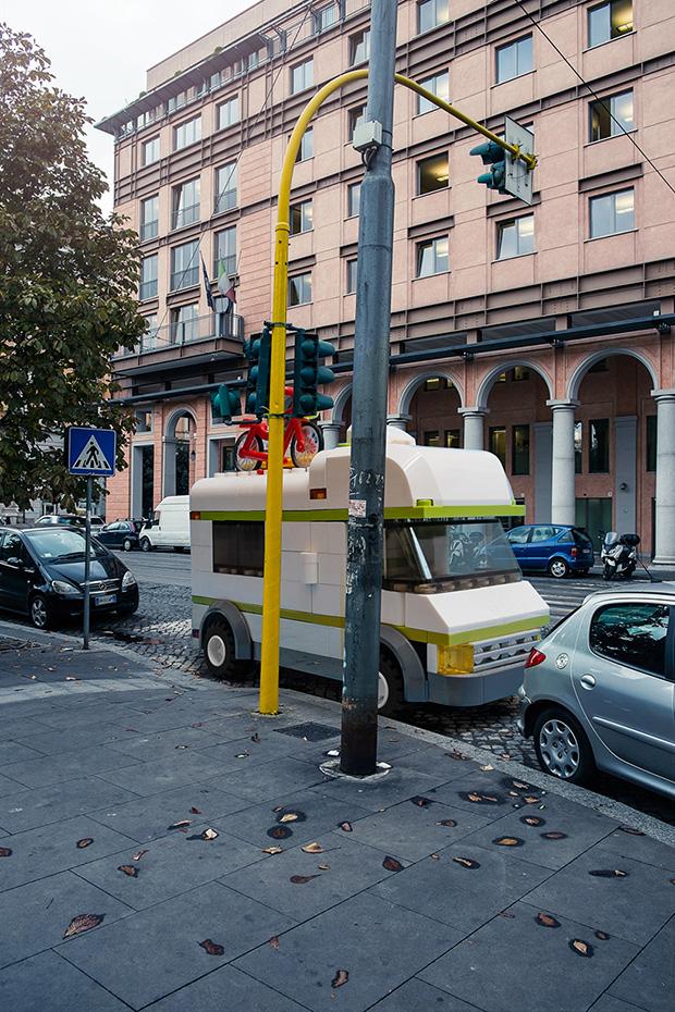 follow-the-colours-domenico-franco-carros-lego-roma-09