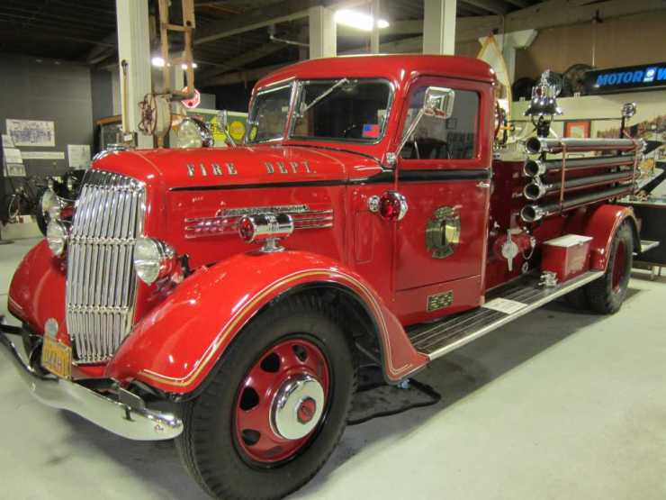 1938 REO Speedwagon Fire Truck – ADOPTED through Jan 2024 by Chuck and Judy Wooderson 1938 REO Speedwagon Fire Truck