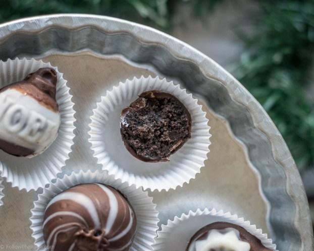 Christmas Oreo Truffles