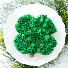 Four-Leaf Clover Cookie Cake