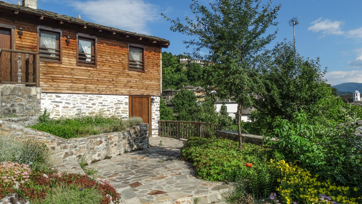 Complex Kosovo Houses Honeymoon Suite