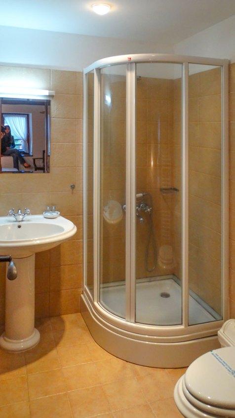 Complex Kosovo Houses bathroom Hadjiiska House