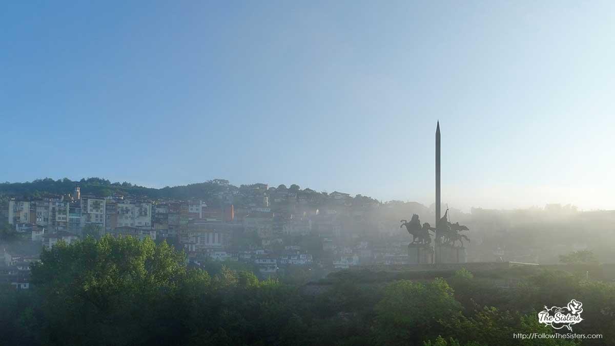 Assenevtsi monument in Veliko Tarnovo covered by fog in the morning