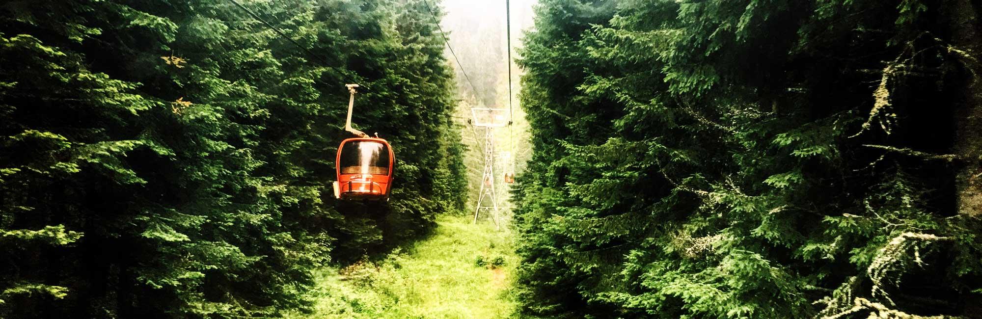 Gondola yastrebets lift