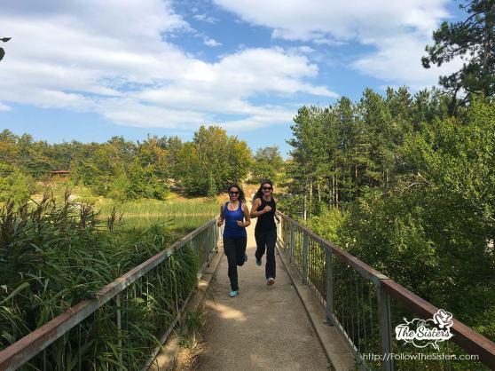 running-next-to-karandila-lake