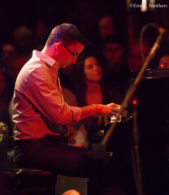 Martin Berjerano on piano