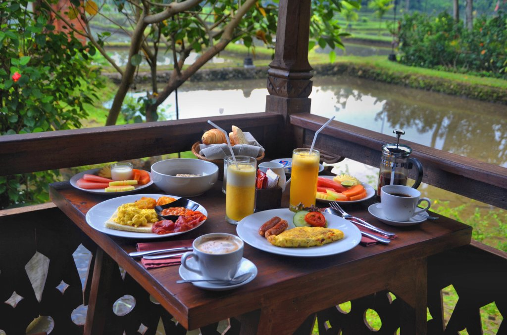best place to stay in ubud - KajaNe Yangloni - breakfast