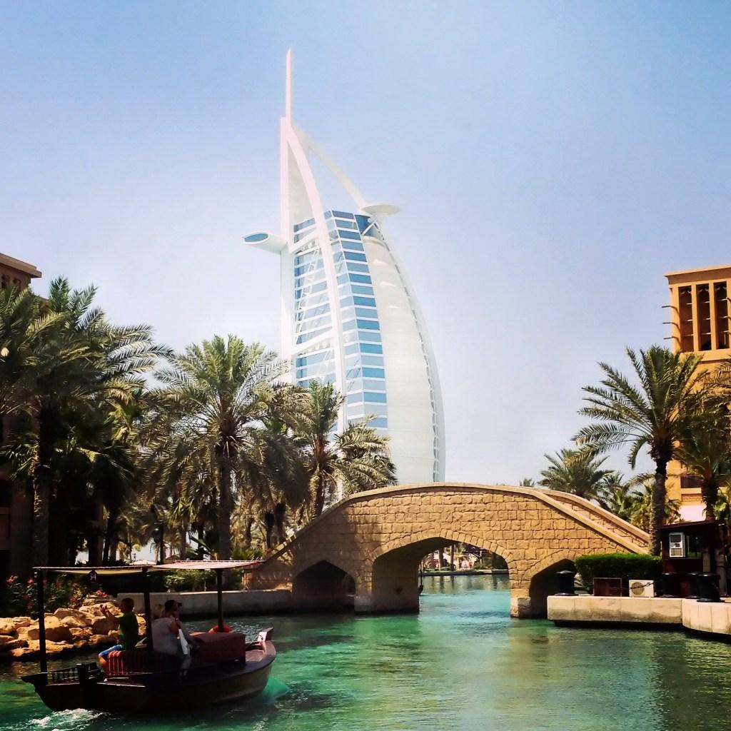 co warto zobaczyć w Dubaju - atrakcje Dubaju - wakacje w Dubaju - medinat jumeirah burj al arab