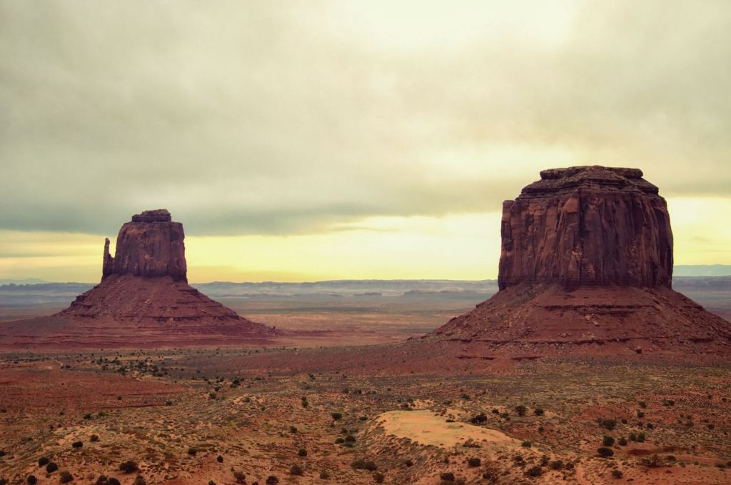 monument valley guide - monument valley tour - how to get to monument valley
