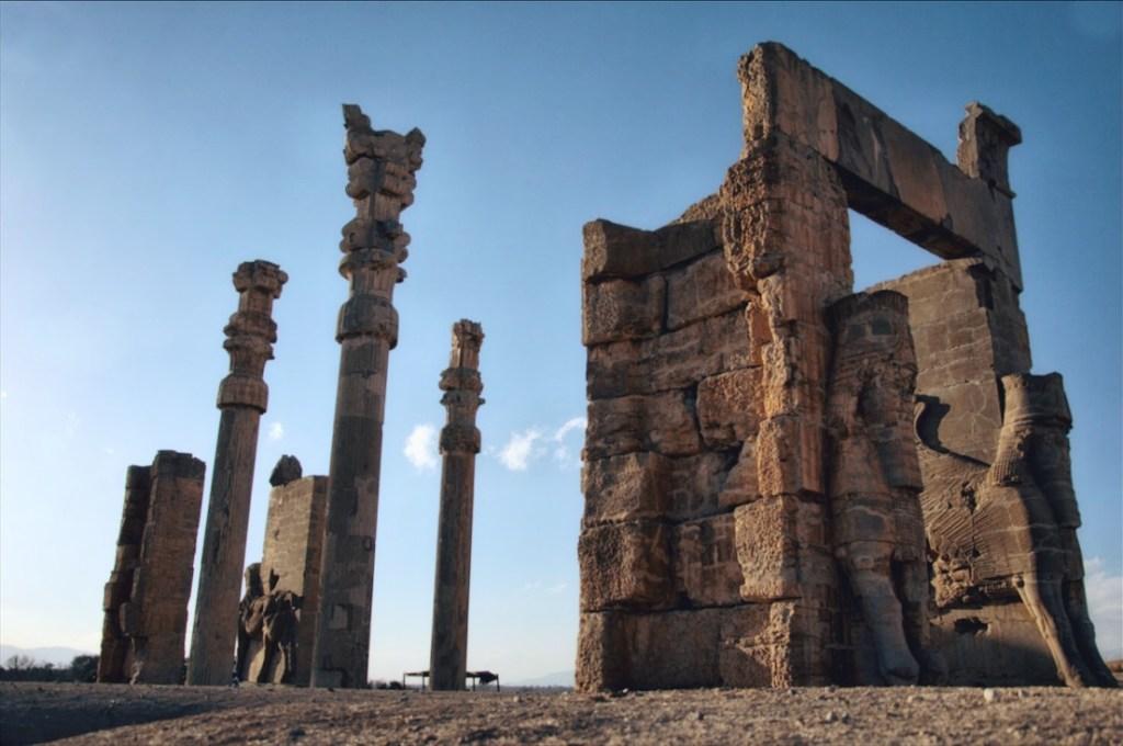 persepolis w iranie - informacje praktyczne - jak dojechać do persepolis - antyczne ruiny
